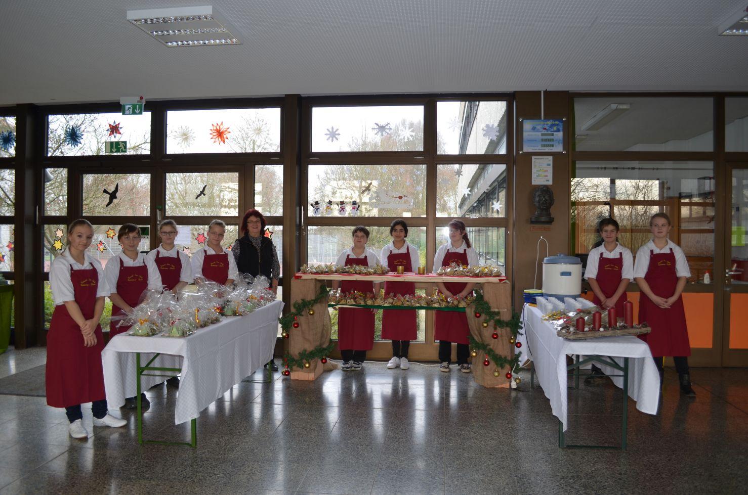 Verkauf von Plätzchen, Punsch und kleinen Geschenken 16.12.2014